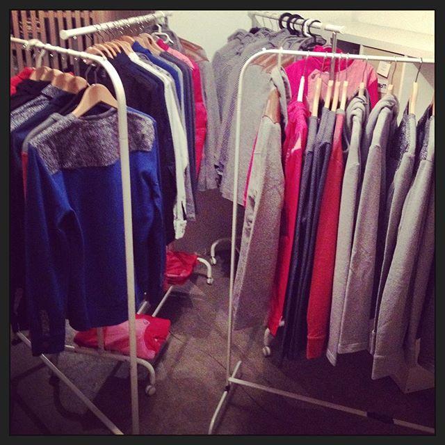 Hop! hop! les portants se remplissent à grande vitesse pour la vente de ce samedi à la maison du vallon et rêvent d'être vidés d'ici la fin de journée! 👏🏻👏🏻👏🏻 www.michelcouture.ch #braderie #soldes2017 #sale #mode #menswear #modehomme #mensfashion #britishstyle #womenswear #womenswear #swissmade #swissdesign #swissfashion