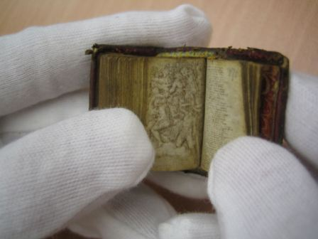 A micrographic  Inferno : Dante Alighieri, MSS copy in unknown hand, measuring 14x23mm when closed.  National Library of Austria.