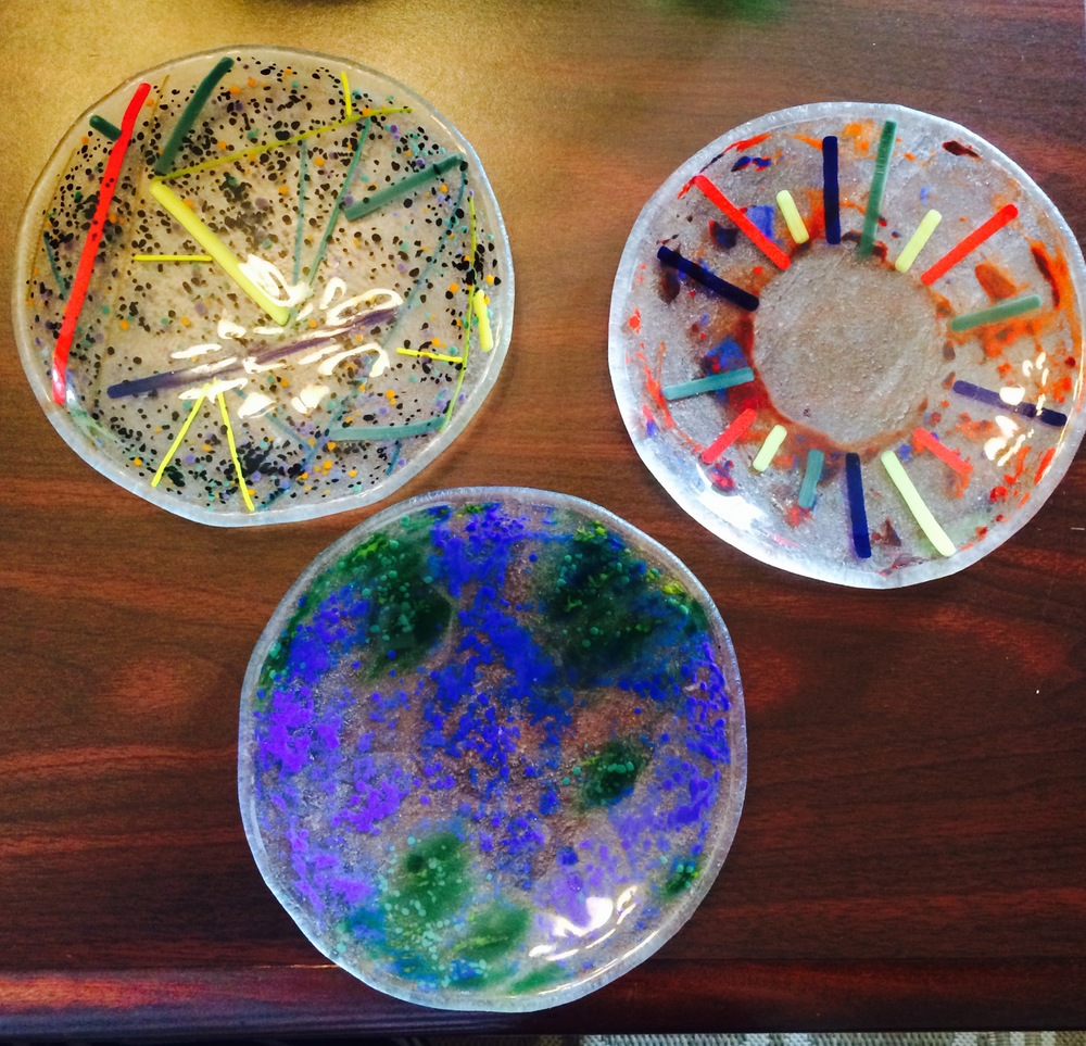 3 fused glass hors d'oeuvres or decorative plates, YaYa, Value: $100