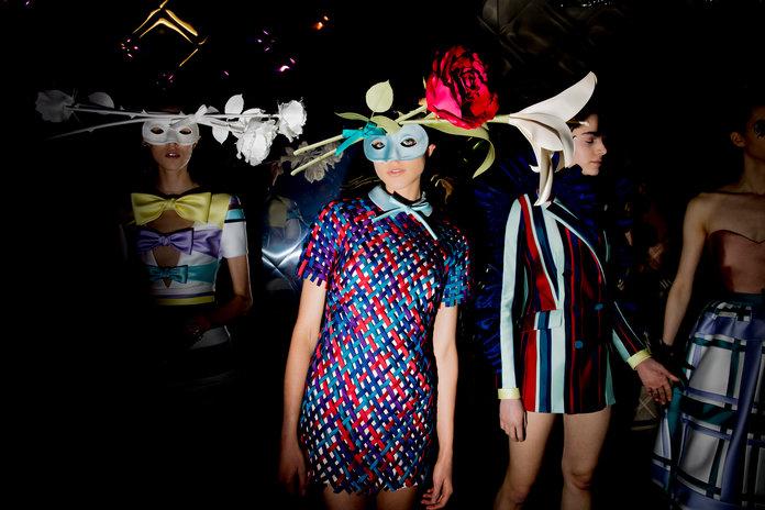 012418-couture-viktor-rolf-004[1].jpg