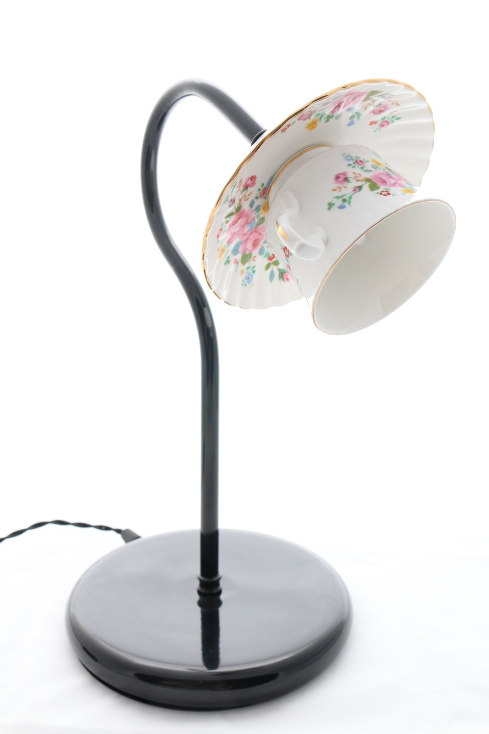Vintage teacup desk lamp.jpg