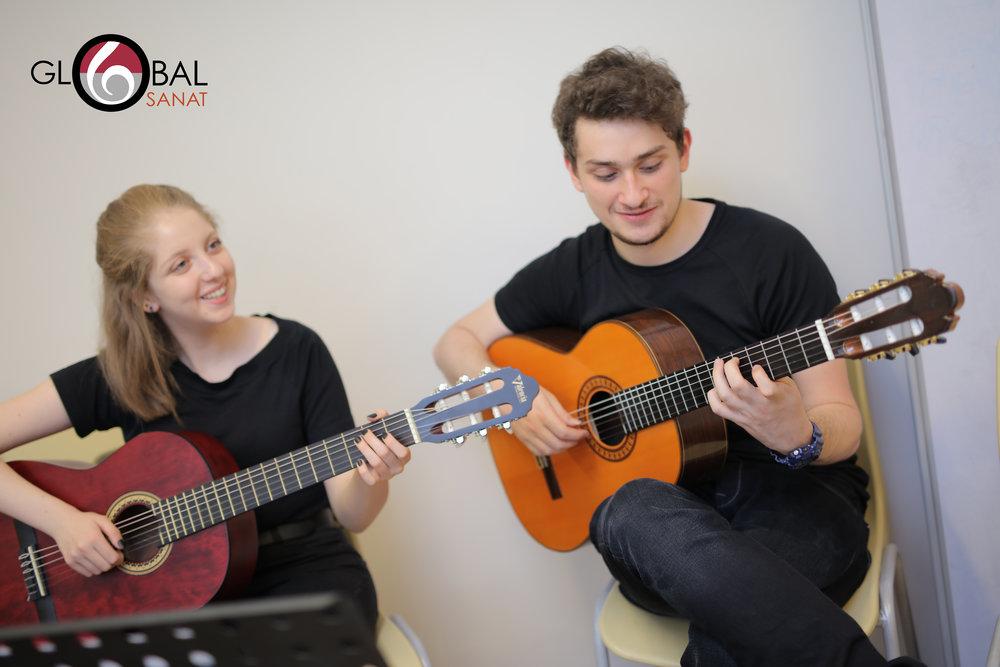 Gitar Dersi 1.jpg