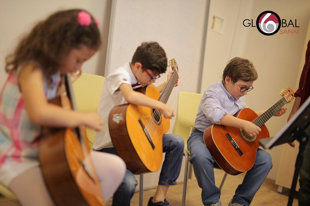 Gitar Dersi 2.jpg