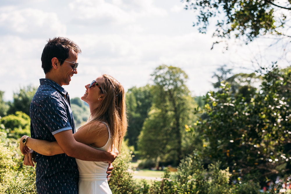 summery-richmond-park-engagement-shoot-11.jpg
