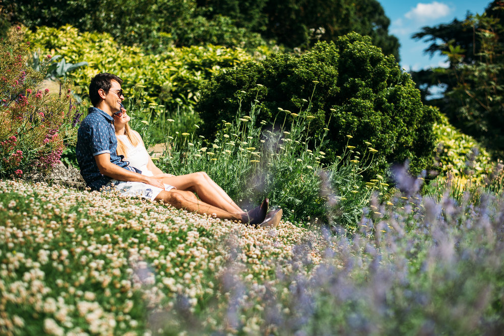 summery-richmond-park-engagement-shoot-24.jpg