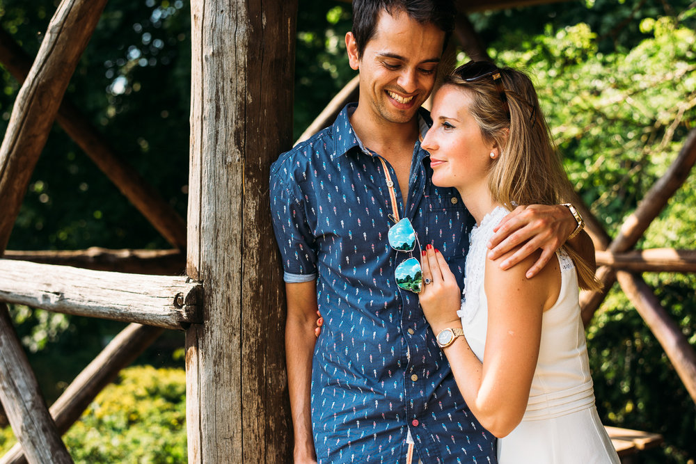 summery-richmond-park-engagement-shoot-29.jpg