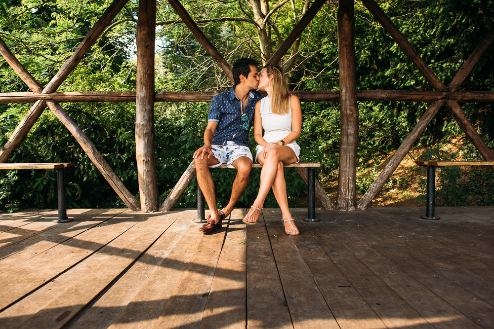 summery-richmond-park-engagement-shoot-37.jpg