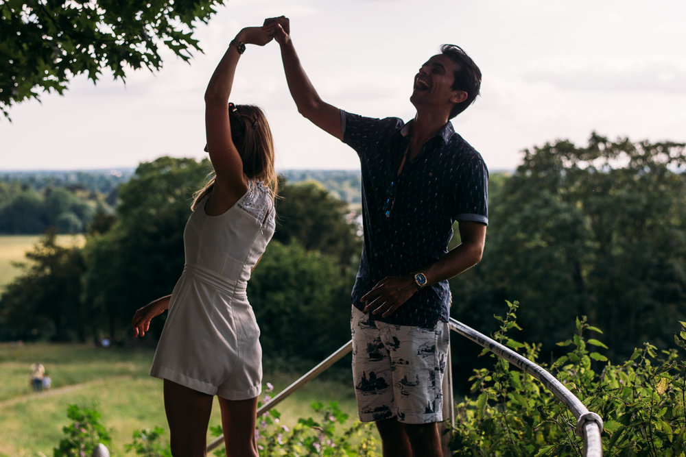 summery-richmond-park-engagement-shoot-72.jpg
