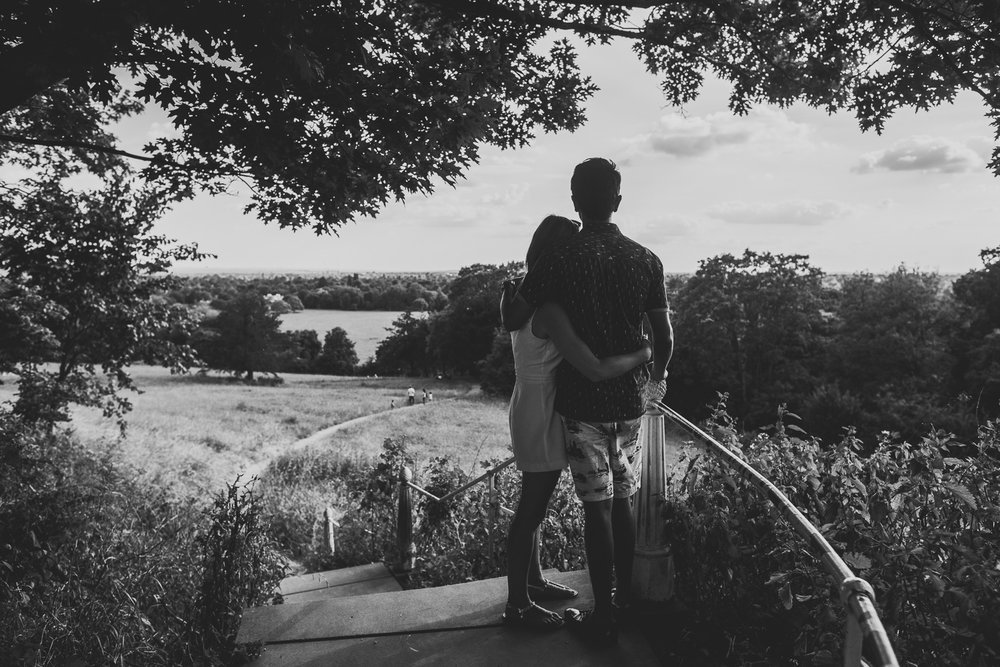 summery-richmond-park-engagement-shoot-71.jpg