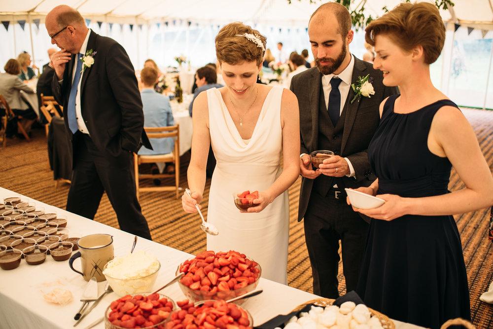back-garden-wedding-102.jpg