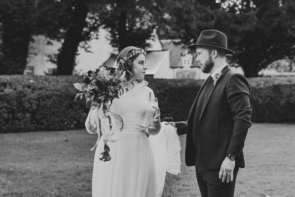cotswolds-fun-wedding-31.jpg