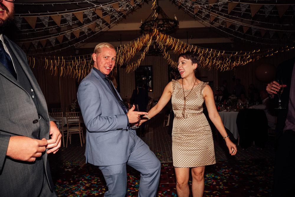 cotswolds-fun-wedding-46.jpg