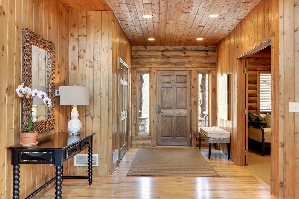 lakehouse-entry.jpg