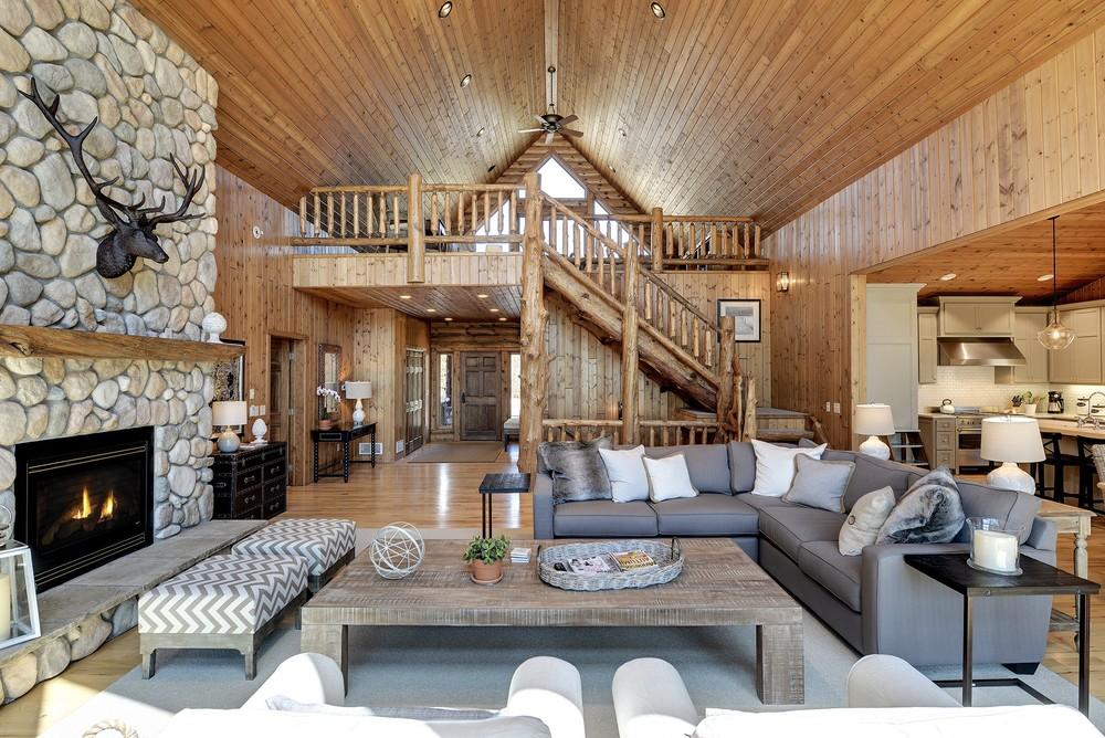 lakehouse-greatroom.jpg
