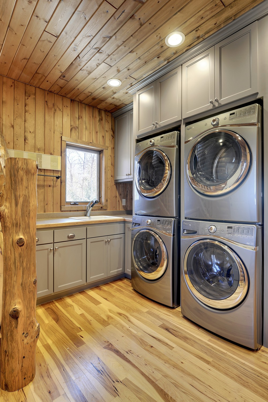 lakehouselaundry.jpg