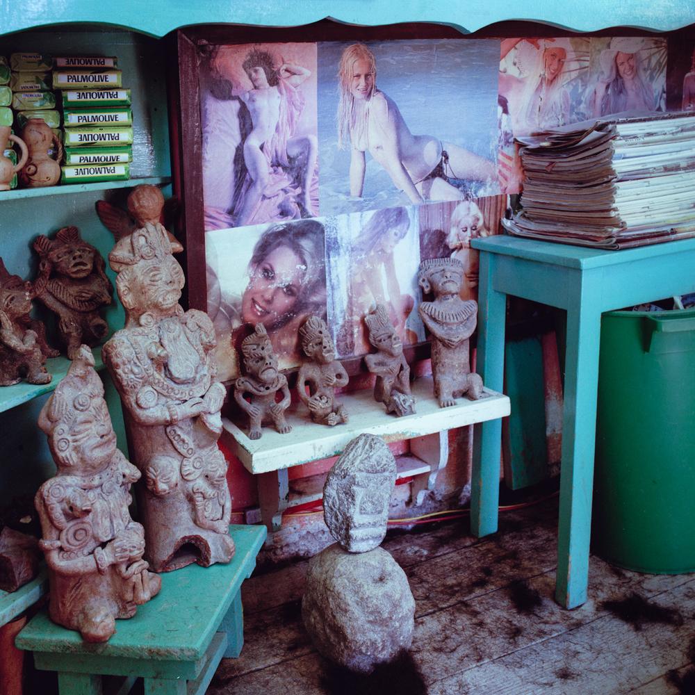 Barbershop Godesses, San Cristobal de las Casas, Chiapas, México 1986