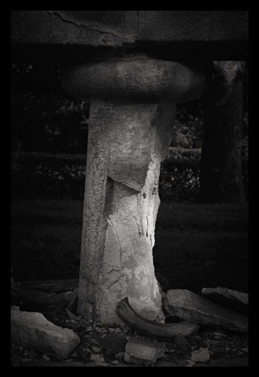 Crumbled Pillar, Toronto 2010