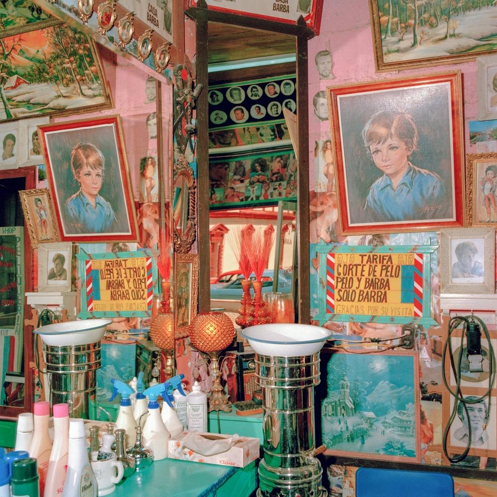 Barbershop Corner, San Cristobal de las Casas, Chiapas, México 1986
