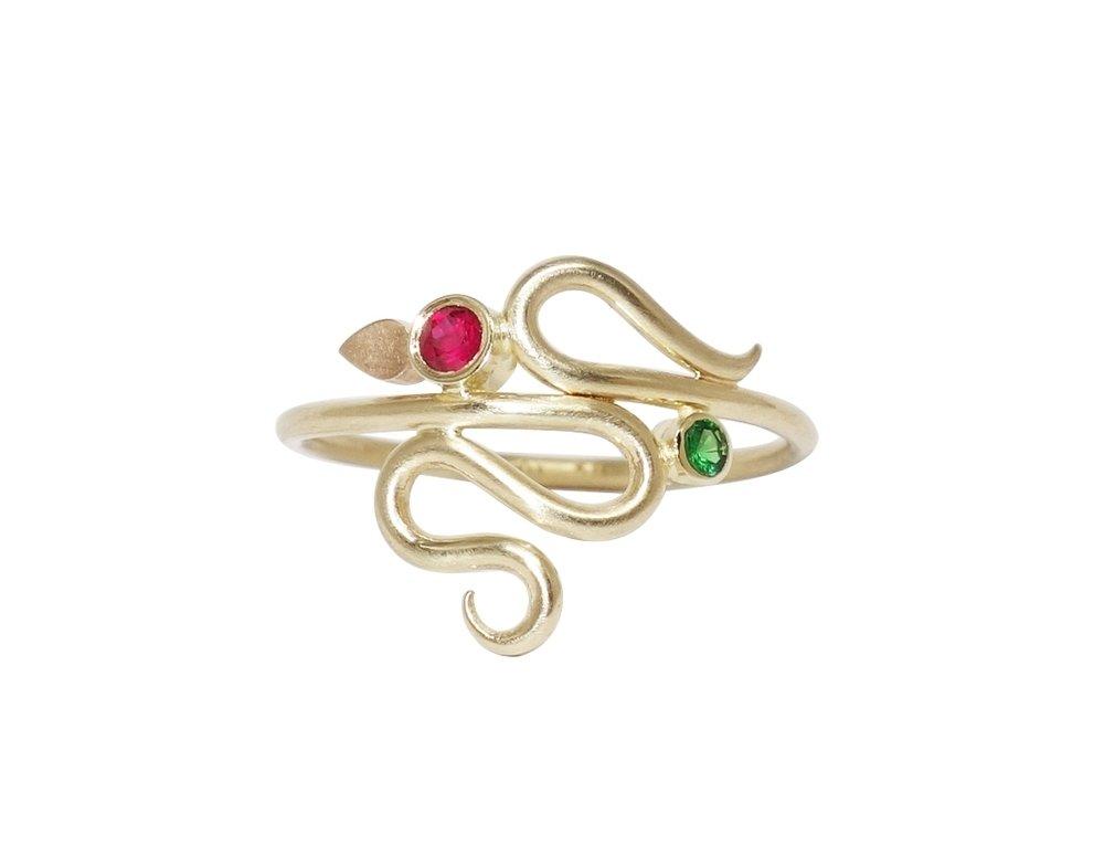 serpentine ring gold guld ring slangering ruby rubin tsavorit tsavorite guldring smykkedesign jewellery jewelry jewelrydesign