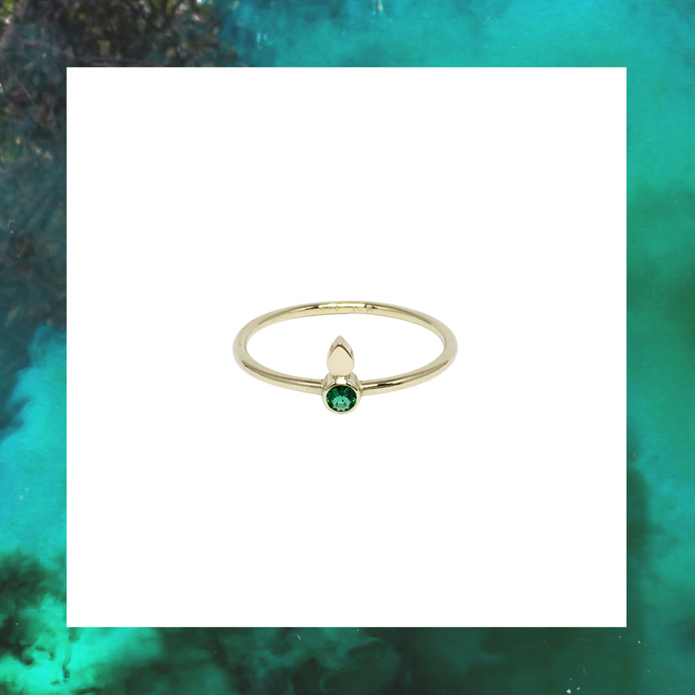 tearsframe2.jpgdråbering guld rubin ruby emerald smaragd guldring jewellery jewelry jewelrydesign rubyring emeraldring smargdring rubinring treokai smykker smykkedesign