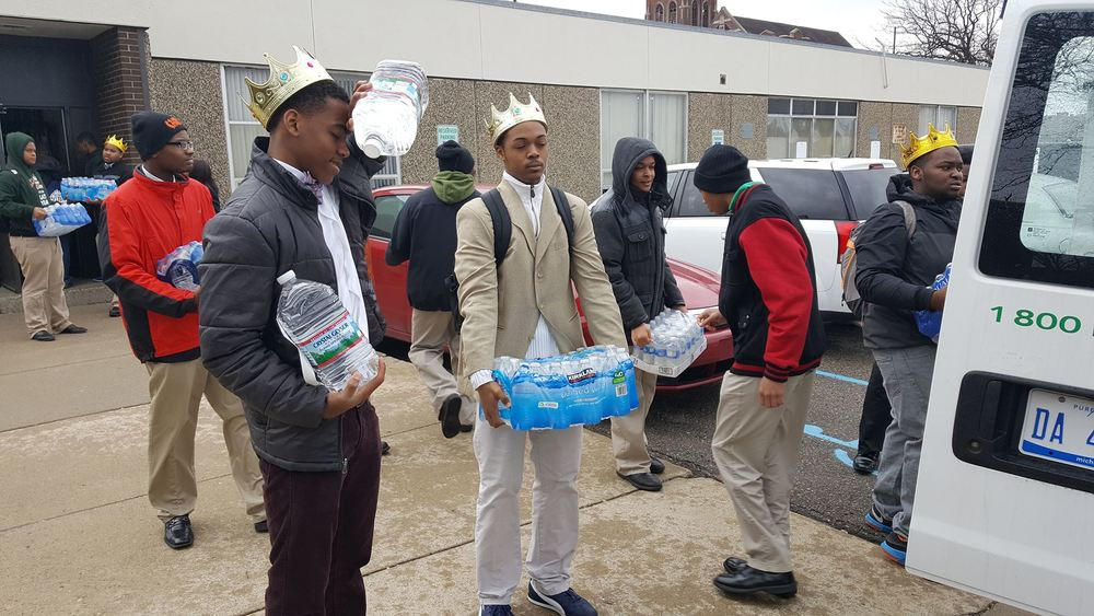 WILLIAM MALCOLM AND HIS MENTOR PROGRAM LEAD COMMUNITY INITIATIVE TO COLLECT OVER 300 CASES OF WATER FOR RESIDENTS OF FLINT MICHIGAN.