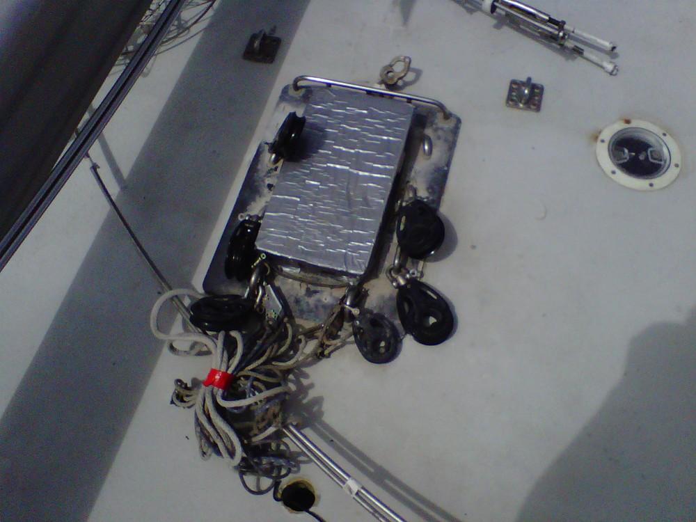 corroded mast collar 1.jpg