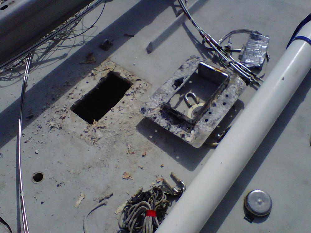 corroded mast collar 2.jpg