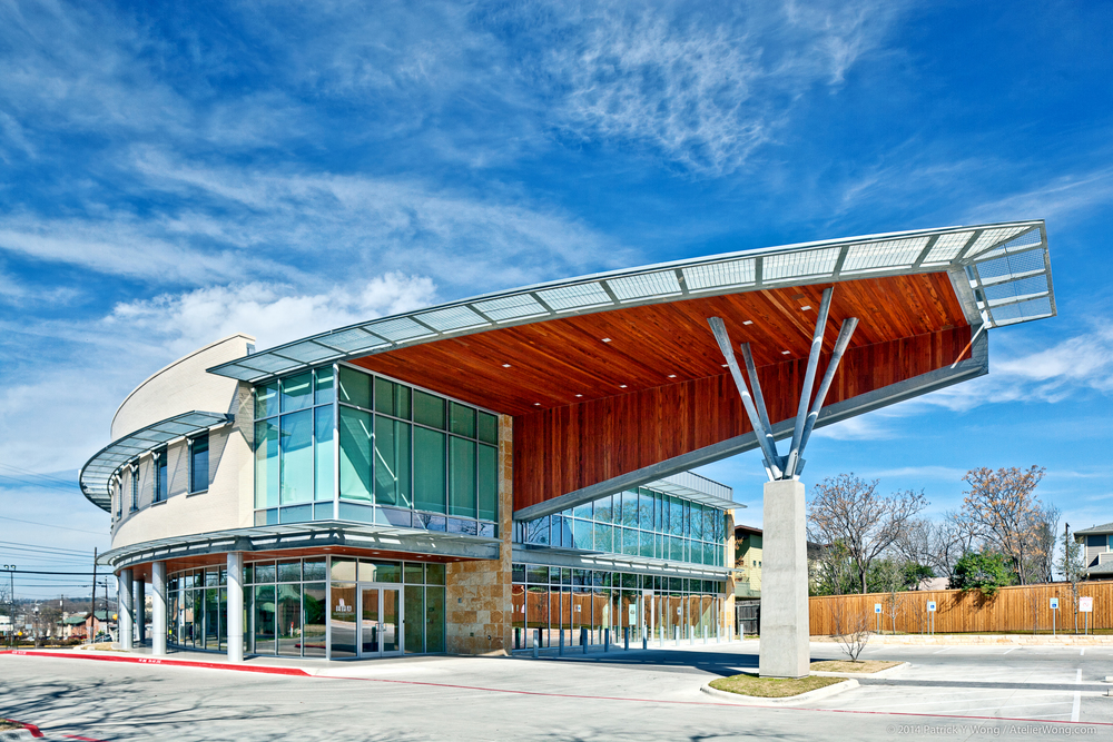 6_Eye Physicians of Austin Exterior_Sixthriver Architects.jpg
