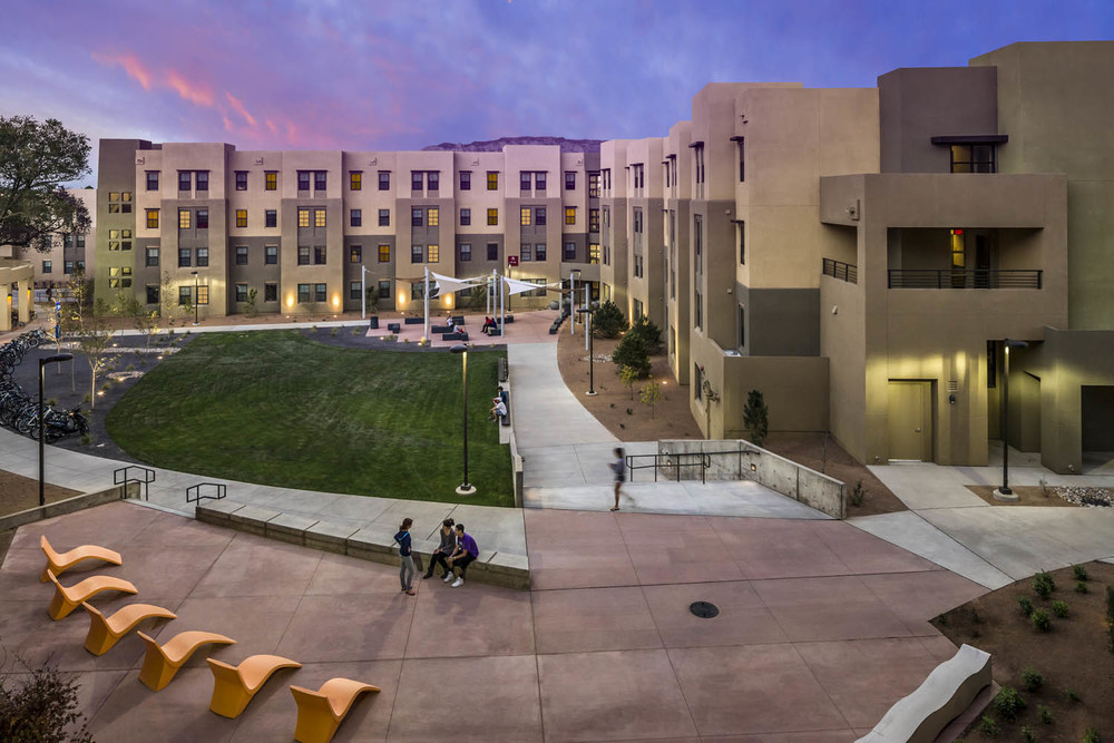 UNM Casas Del Rio_Ext Courtyard_Sixthriver Architects.jpg