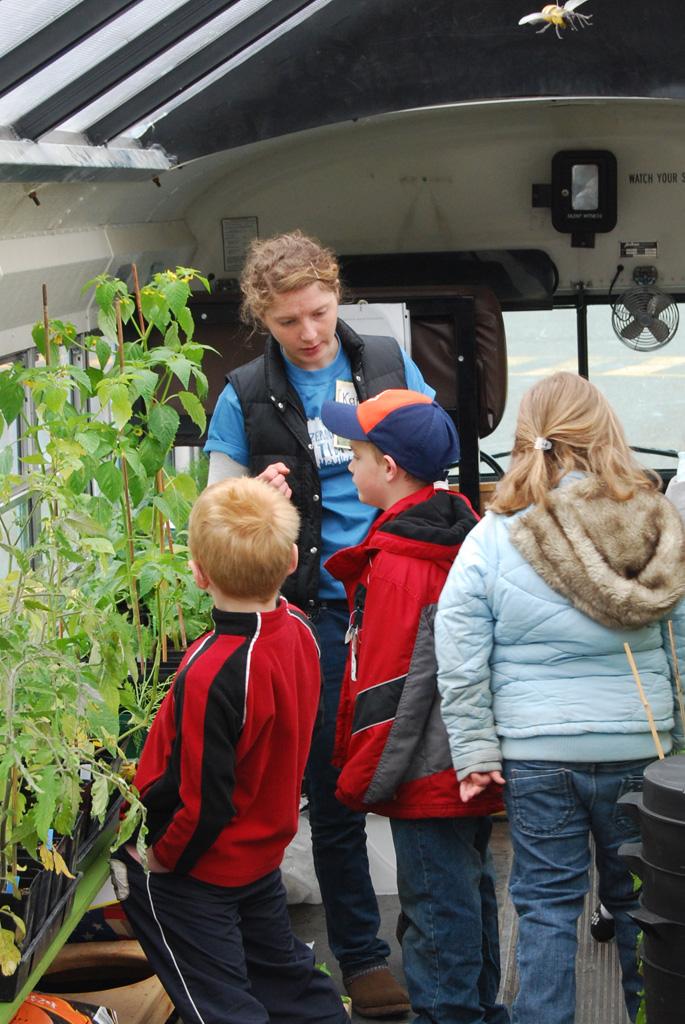 Kara Landolfi teaching kids at Emily Dickinson.