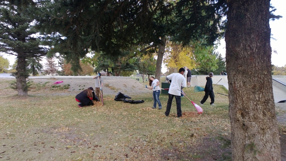 Students from BHS Freshman Strategies cleaning up the Kirk Park skate park.