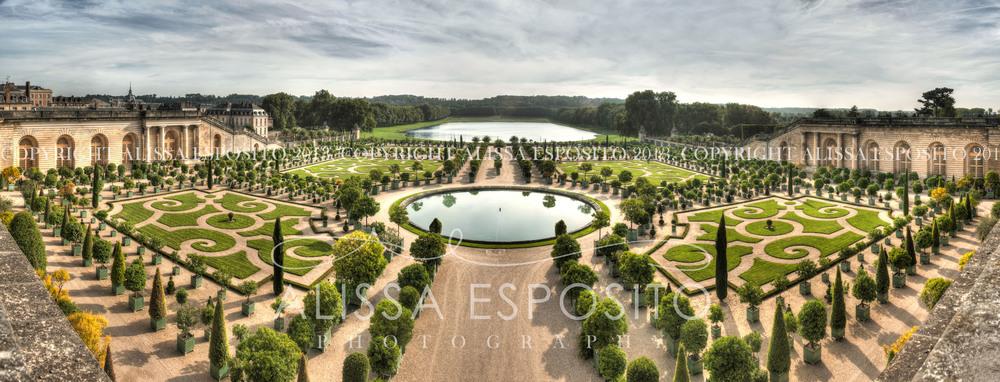 Chateau De Versilles, Paris, France | Fine Art Photography | Alissa Esposito Photography | www.alissaesposito.com | ttps://www.etsy.com/shop/AlissaEPhotography