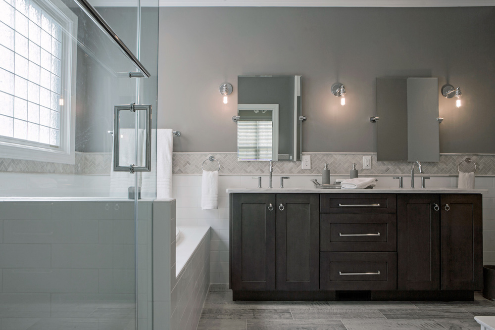What 39 s new in bathroom interior design jessica dauray for Bathroom interior design trends