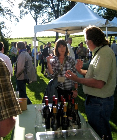 Mark Vlossak of St. Innocent schoolin' Jillian at Oregon Pinot Camp 2010