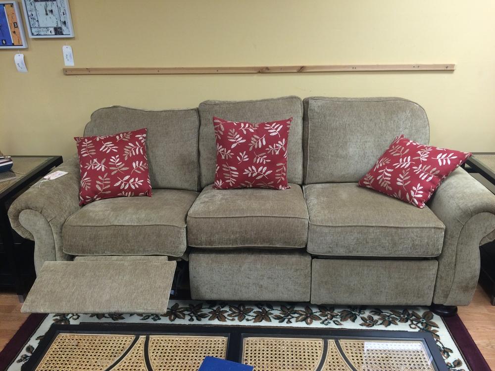 Thomasville Benjamin Incliner Sofa