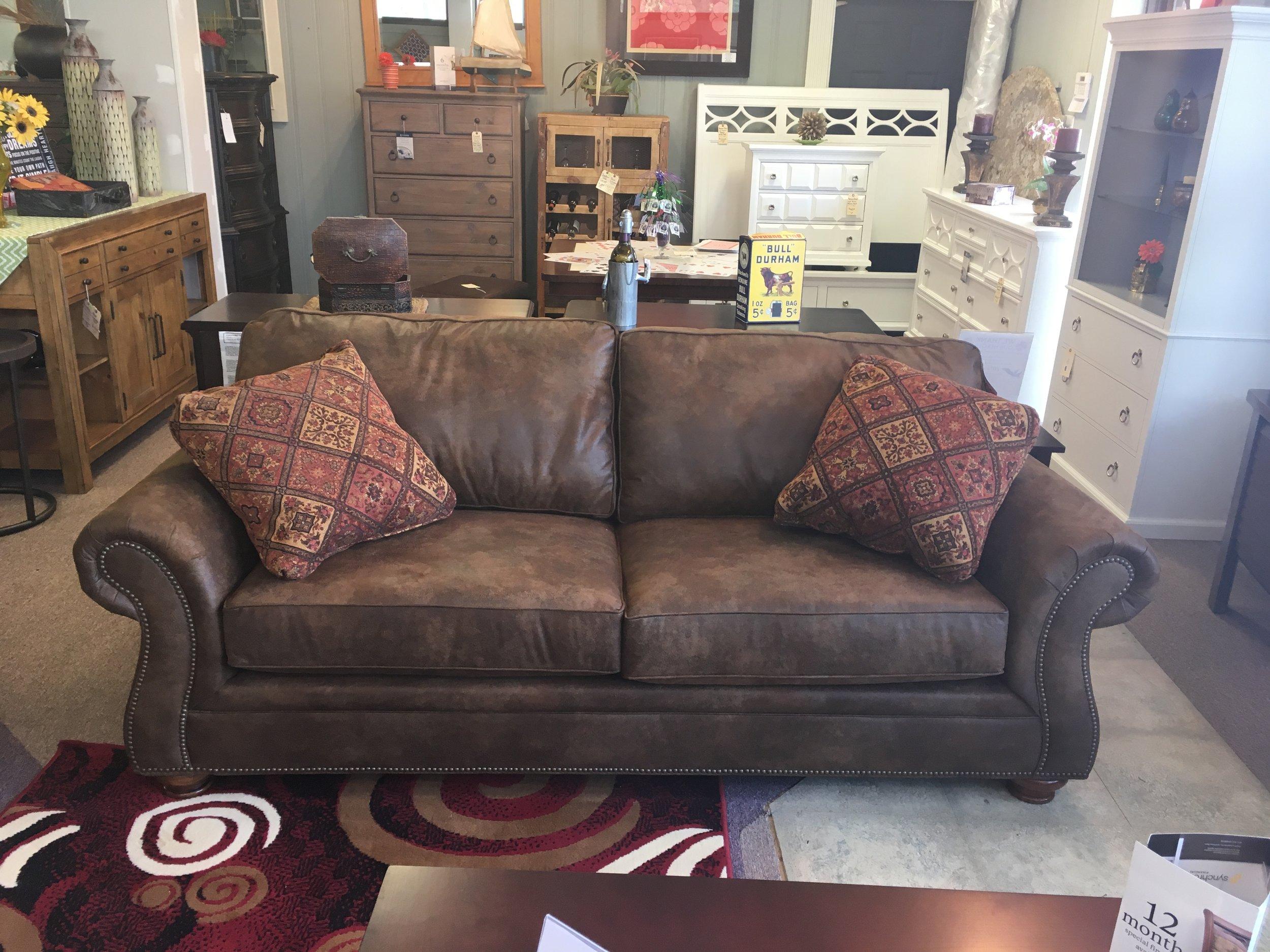 broyhill laramie tobacco colored sofa UU4WFG0Q