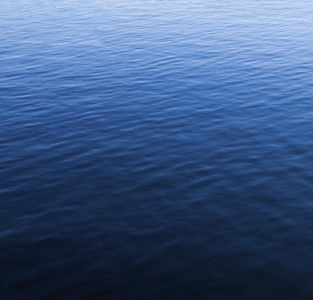 bg-water.jpg