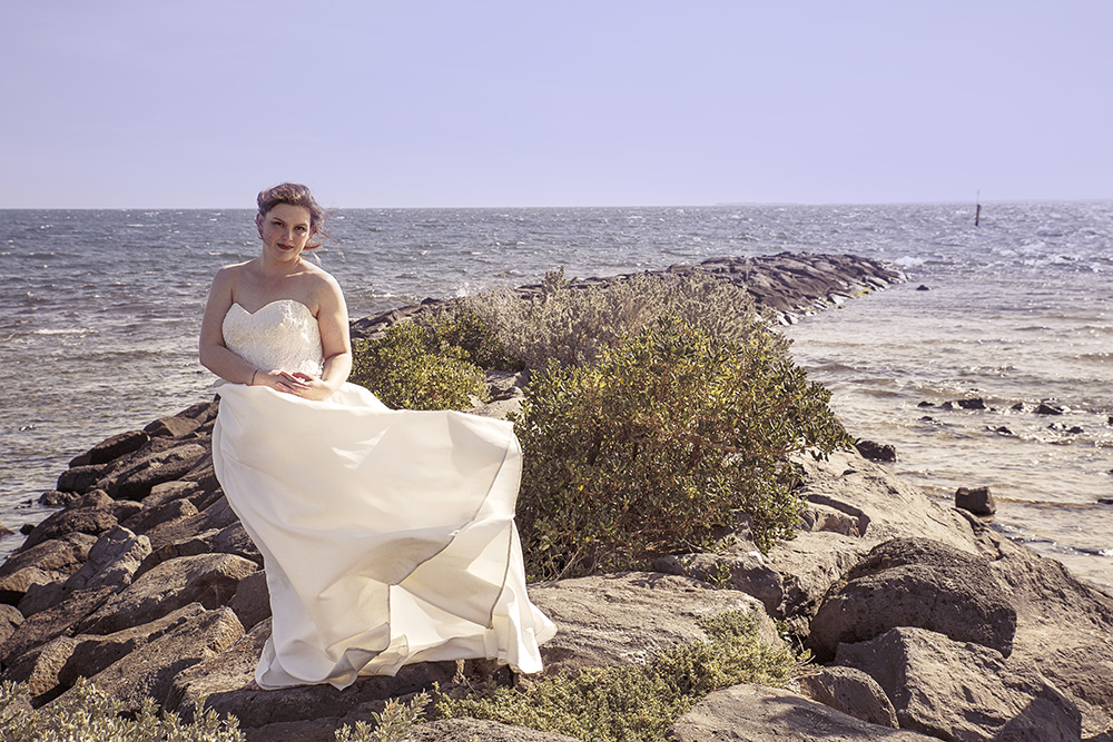 Love-the-gown_beach_bride_pregnant-bride.jpg