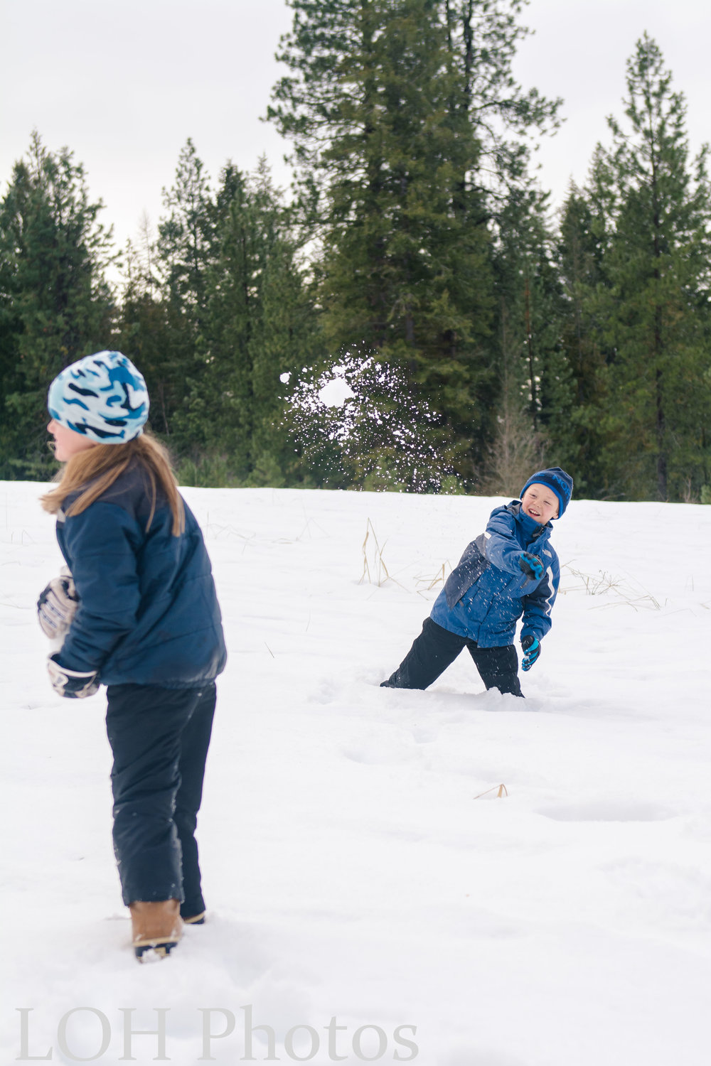 snowball fight 2.17 (4 of 6).jpg