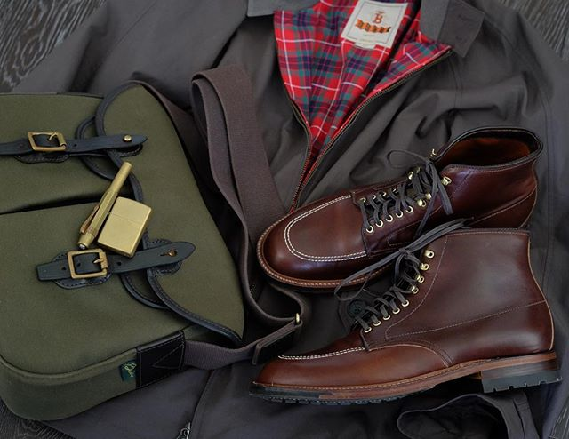 Cloth, leather, and brass.  #brnostore #bradybag #bradybagsusa #bradybags #baracuta #alden #aldenindy #aldenarmy #epaulet #zippo #kaweco #brass