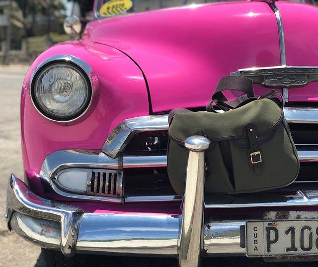 Pink + green.  #brnostore #bradybagsusa #bradybag #bradybags #habanacuba #havanacuba #havana #chevy #classiccar #cuba #wanderlust #travel