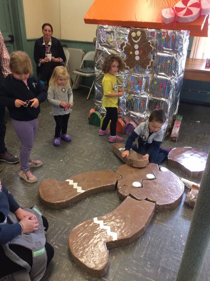 Gingerbread man puzzle building .jpg