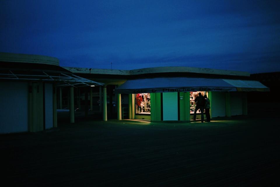 Les magasins a la plage, deauville.jpg