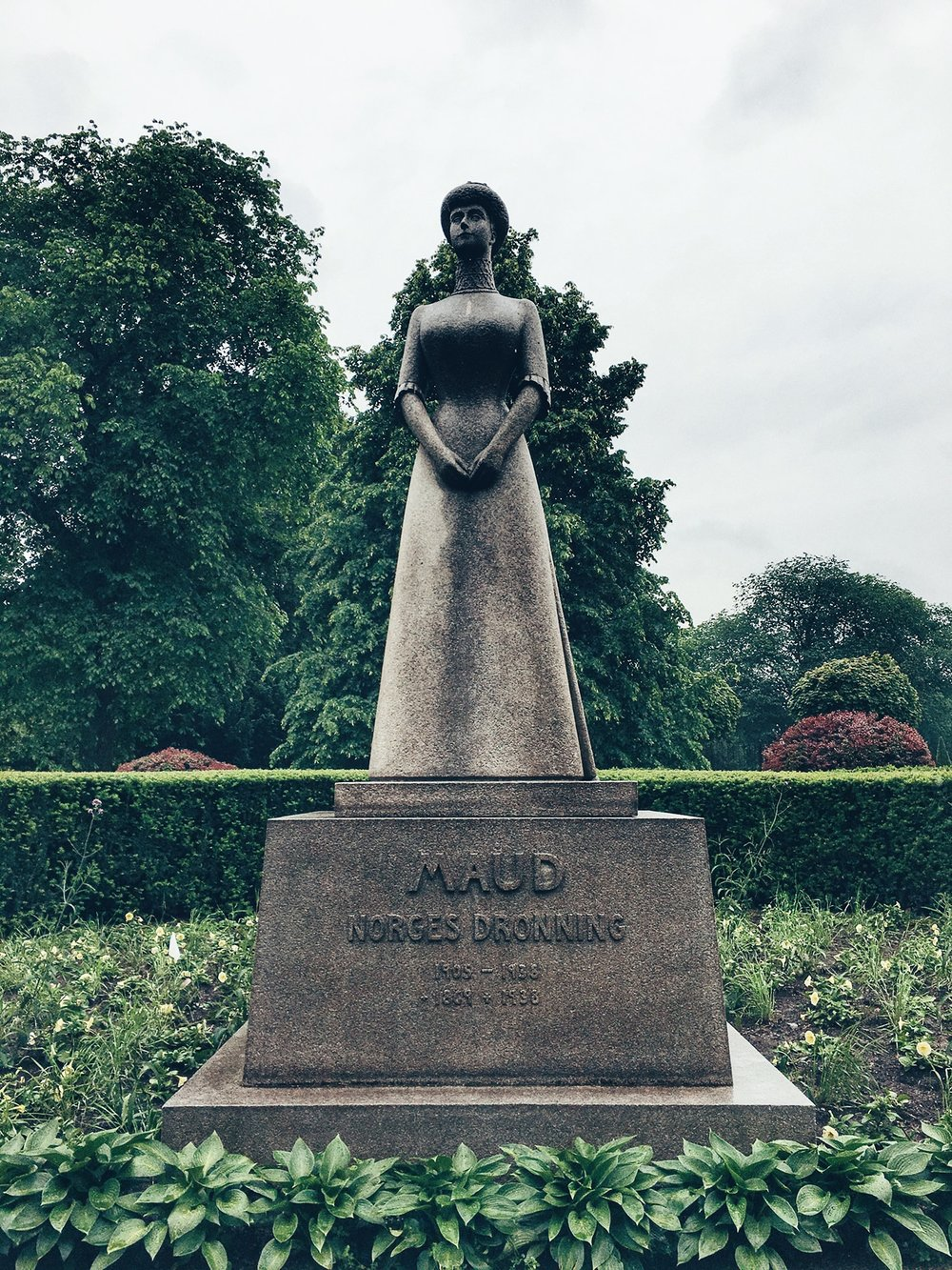 Statue of Queen Maud of Norway in the Palace Gardens (Oslo, Norway)
