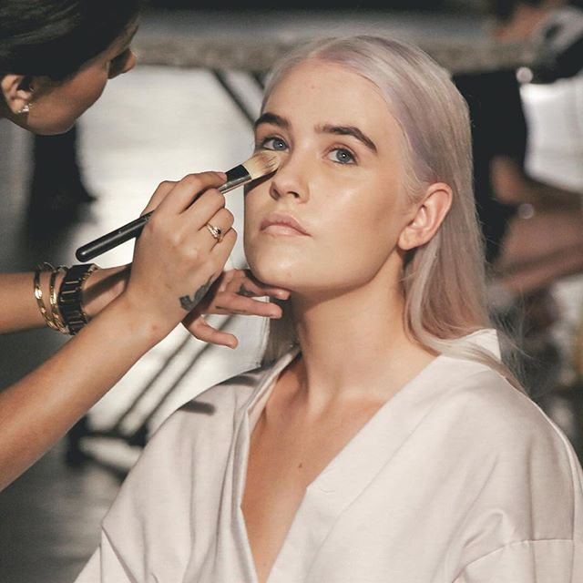 BEHIND THE SCENES // Touching up the perfect winter glow! Behind the scenes with this beauty @freya.prout  M @jdhillon_makeup_artistry P @rosechanz