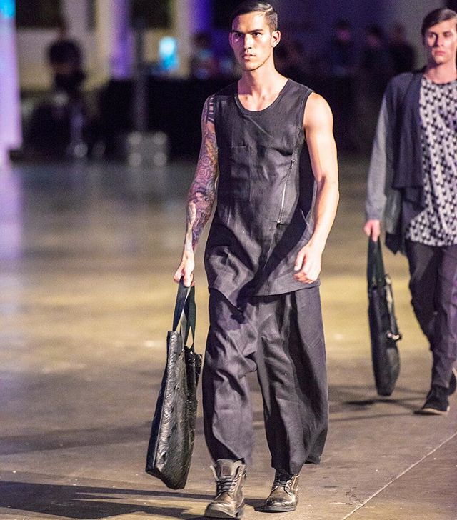 RUNWAY// Bags packed, walking into the weekend like... @designbyjude #menswear #australianfashion #sustainablefashion #runway