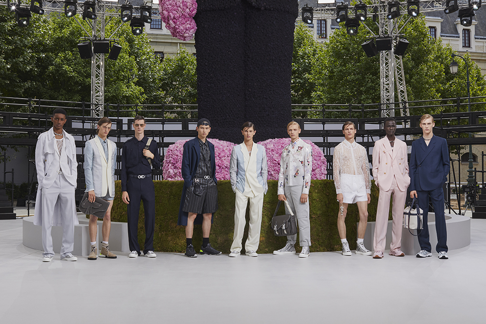 DIOR_MEN_SUMMER_2019_GROUPSHOT_ © BRETT LLYODrs.jpg