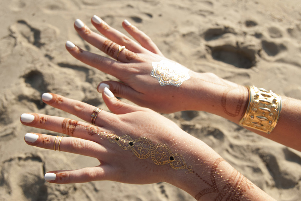 Flash Tattoos and Henna (via Girl x Garment)