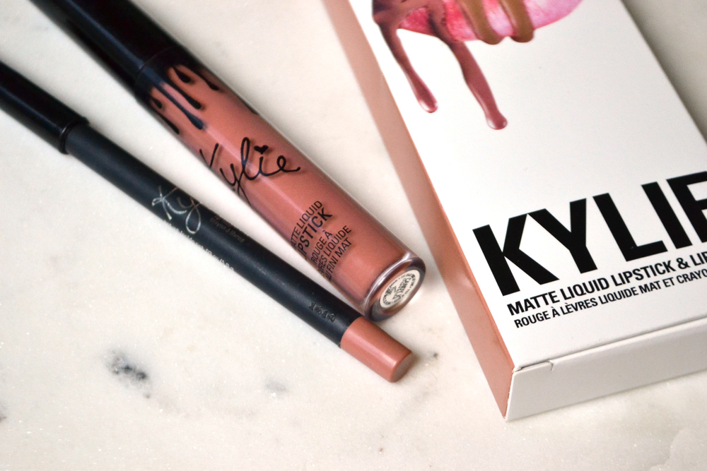 Kylie Lip Kit Candy K (via Chic Now)