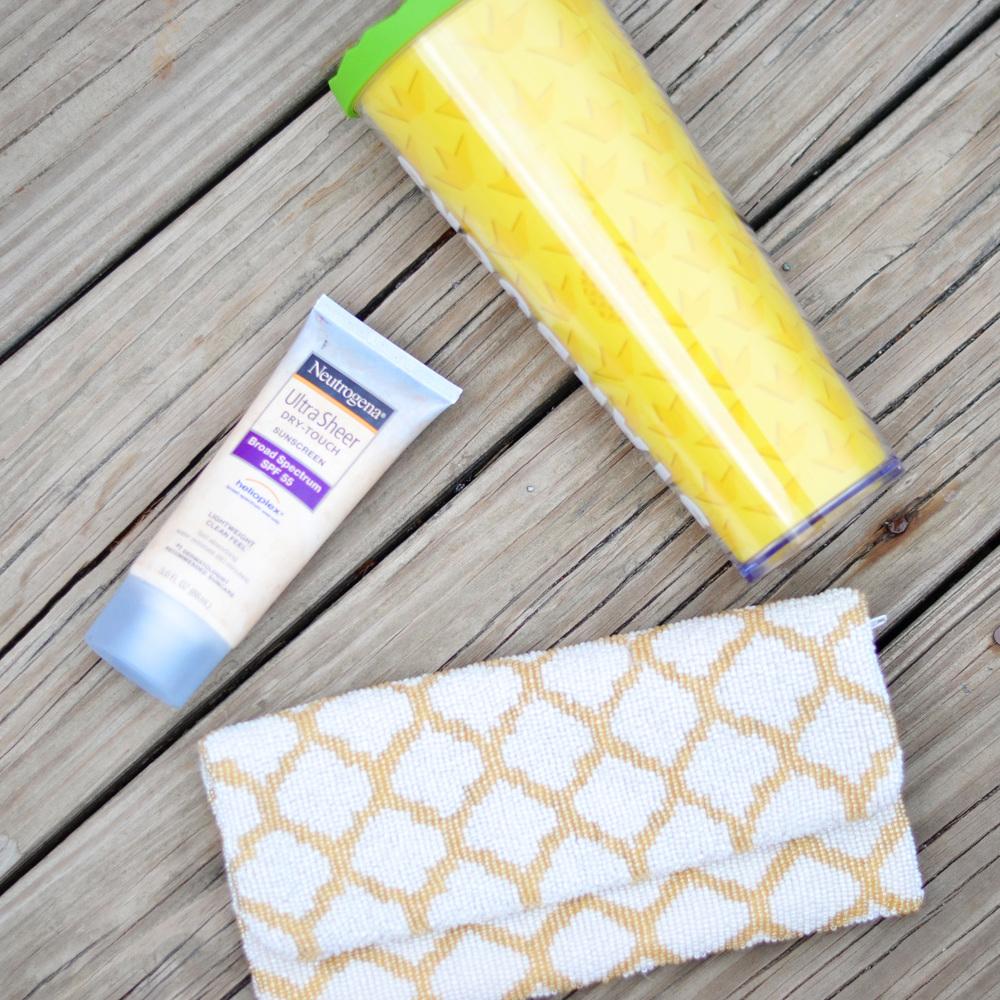 Blogger Summer Essentials (via Chic Now)